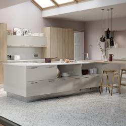 Chic Limestone & Linear Bardolino Oak